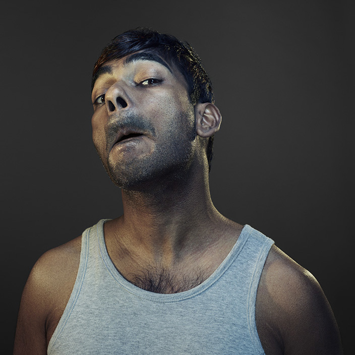 Love Retouch / Advertising / Gillette : Nadav Kander